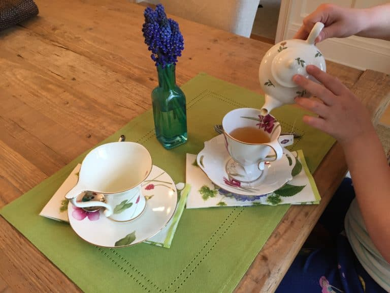 tea party photo 768x576 - Muffins with Mom: by Dr Tarryn Mac Carthy